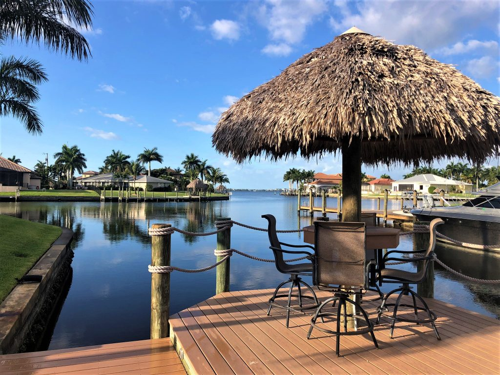 Tiki Hut 1 - Villa Romantic Cape Coral